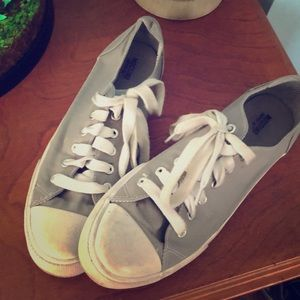 MOSSIMO gray sneakers size 9